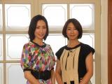 ネット配信番組『いつもココロに太陽を〜ココだけトーク!』にゲスト出演した真飛聖(左)と、司会の中井美穂