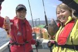渡辺直美&大島麻衣が沖縄で船釣り初挑戦(C)テレビ新広島