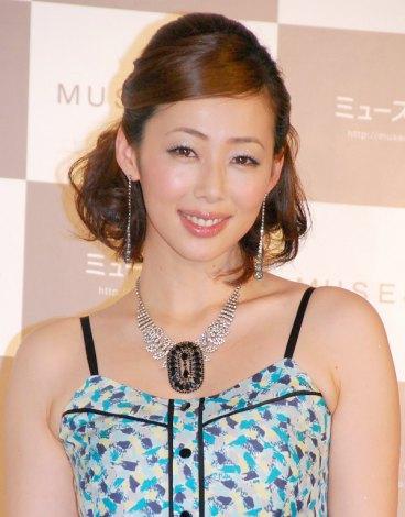 女性向け通販サイト『MUSE&Co.』のオープン記念プレス発表会に出席した井上和香 (C)ORICON DD inc.