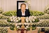 今月3日に米ハワイの事故で急死した長良じゅん会長の祭壇 (C)ORICON DD inc.