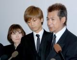 長良じゅん会長の本葬に参列した(左から)水森かおり、氷川きよし、山川豊 (C)ORICON DD inc.