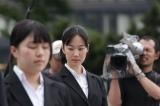 NHK連続テレビ小説『純と愛』のクランクイン撮影に挑んだ純の同期社員となる田辺千香役の黒木華