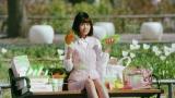 """AKB48が""""バランス戦隊ベジレンジャー""""に変身する『野菜一日これ一本』(カゴメ)の新CM"""
