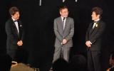 舟木一夫の50周年記念謝恩パーティーに出席した(左から)三田明、西郷輝彦、舟木 (C)ORICON DD inc.