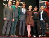 映画『アメイジング・スパイダーマン』のワールドプレミアに登場した(左から)マーク・ウェブ監督、リース・イーヴァンズ、アンドリュー・ガーフィールド、エマ・ストーン、アヴィ・アラド、マット・トルマック (C)ORICON DD inc.