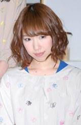 『AKB48美術部展覧会〜額だけ立派ですいません!〜』プレス内覧会に出席したAKB48の佐藤夏希 (C)ORICON DD inc.