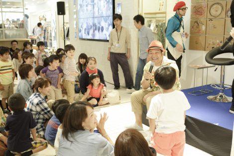 一日保育園長として約30人の子どもたちと楽しい時間を共有