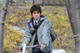 月島付近を自転車で疾走する糸村(上川隆也)の活躍に期待(C)テレビ朝日