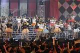 ラストは現役アイドル86人がAKB48の「ヘビーローテーション」を熱唱