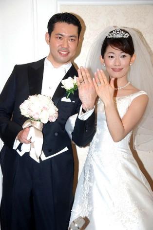 サムネイル 2008年6月に挙式した丸川珠代参院議員と大塚拓衆院議員(当時) (C)ORICON DD inc.
