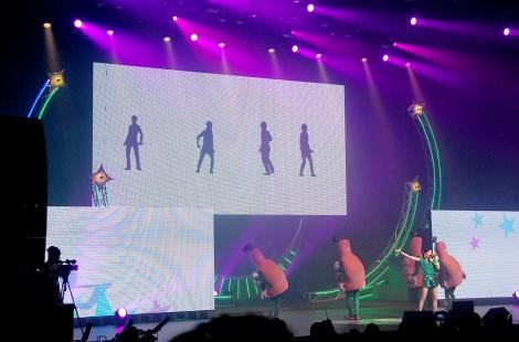 GReeeeNメンバー不在の初ファン感謝祭『緑一色歌合戦』でお披露目されたベッキー♪♯とのコラボ「GOOD LUCKY!!!!!」 (C)ORICON DD inc.