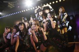 5th「シアターの女神」公演でAKB48チームBのメンバーとして初出演した渡辺美優紀(手前) (C)AKS