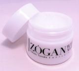 化粧水・美容液・乳液・クリーム・化粧下地の5つの機能を凝縮した薬用全ケア美白ジェル