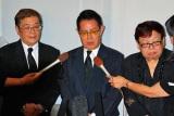 小野ヤスシさんの通夜に参列した、ザ・ドリフターズの(左から)仲本工事、加藤茶、高木ブー (C)ORICON DD inc.