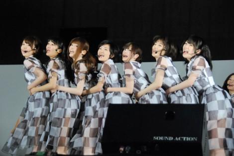 乃木坂46全国握手会イベントのミニライブの模様 (C)ORICON DD inc.