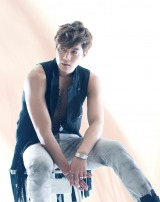B'z初提供曲で初登場首位を獲得したキム・ヒョンジュン