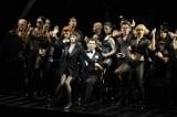 米倉涼子(中央)がブロードウェーデビューしたミュージカル『シカゴ』公演の模様(キョードー東京提供)
