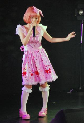 単独ライブで入籍を報告し涙をみせたあやまんJAPAN・ファンタジスタさくらだ (C)ORICON DD inc.