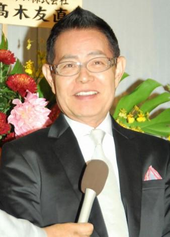 サムネイル 仲本工事と三代純歌の結婚披露宴に出席した加藤茶 (C)ORICON DD inc.