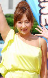 夏のイベント『Smile Sunshine 2012』に出演した愛川ゆず季 (C)ORICON DD inc.