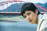 「余力残して終えたかった」と勇退を決めた沢村一樹 9月3日放送の『浅見光彦シリーズ31 箸墓幻想』の場面写真より(C)TBS