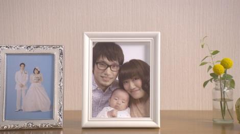 新CMでついに赤ちゃんが誕生!/(C)スカパー