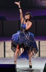 『Hello! Project 誕生15周年記念ライブ 2012 夏』の昼公演でハロプロ卒業を発表した真野恵里菜