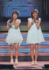 オリジナル曲「キャベツ白書」を初披露したモーニング娘。鞘師里保、スマイレージ和田彩花による音楽ユニット・ピーベリー
