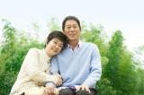 7 月23日放送のスペシャルドラマ『妻が夫をおくるとき』に主演する岸本加世子と大杉漣(C)TBS