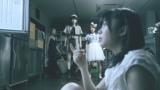 冷凍庫で変わり果てた姿となった大島優子を発見し叫び声をあげる指原莉乃/江崎グリコ『アイスの実』新CM