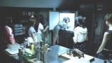 冷凍庫で変わり果てた姿となった大島優子をとりまくAKB48のメンバー/江崎グリコ『アイスの実』新CM