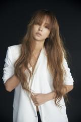 新曲「Damage」を提供した安室奈美恵