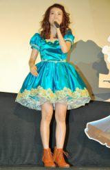 観客からの歓声に笑顔を見せる大島優子 (C)ORICON DD inc.