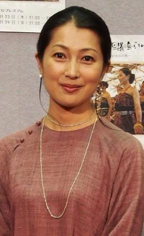髪のアクセサリーが素敵な鶴田真由さん