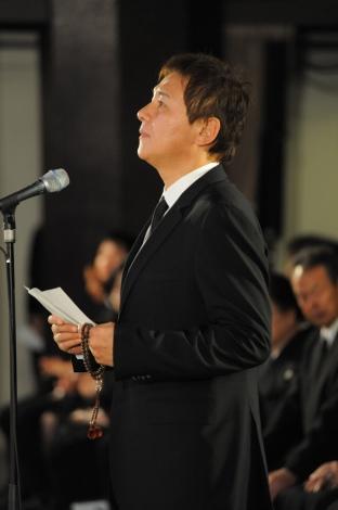 「地井武男さん お別れの会」に出席した渡辺徹