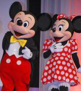 『2012 ディズニー・オン・アイス』の記者会見に駆けつけたミッキー&ミニー (C)ORICON DD inc.