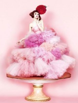 丸山敬太 オリジナル ストロベリーウエディングドレス
