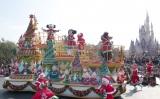 東京ディズニーランドで開催される『クリスマス・ファンタジー』イメージ(C)Disney