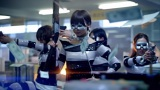AKB48の27thシングル「ギンガムチェック」MVより(写真手前は篠田麻里子)