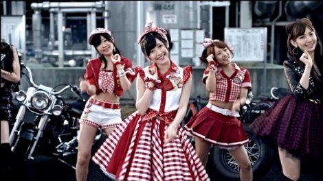 AKB48の27thシングル「ギンガムチェック」MVより