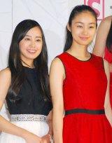 『第13回全日本国民的美少女コンテスト』に出席した(左から)宮崎香蓮、忽那汐里 (C)ORICON DD inc.