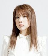 10 月スタートのTBS系ドラマ『レジデント〜5人の研修医』に主演する仲里依紗