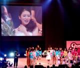 『Seventeen夏の学園祭2012』で行われた武井咲の卒業式の様子 (C)ORICON DD inc.