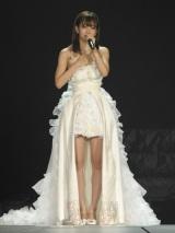 純白ドレス姿で感謝の言葉を述べる前田敦子 =AKB48念願の東京ドーム3days最終日公演(写真:鈴木一なり)