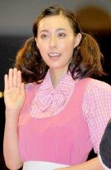 映画『ひみつのアッコちゃん』試写会前舞台あいさつに出席した吹石一恵 (C)ORICON DD inc.