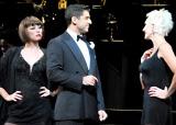 ブロードウェイミュージカル『CHICAGO』の公開リハーサルを行っ(左から)米倉涼子、トニー・ヤズベック、アムラ=フェイ・ライト (C)ORICON DD inc.