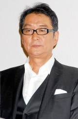 V6・岡田准一とともにキャストの市川染五郎へエールを送った滝田洋二郎監督 (C)ORICON DD inc.