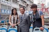 『相棒11』初の香港ロケに参加した水谷豊(中央)と新レギュラーの成宮寛貴(右)、真飛聖(左)(C)テレビ朝日