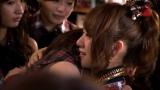 先日の卒業公演直後の楽屋にて、涙の抱擁を交わす前田敦子と高橋みなみ