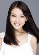 『東京全力少女』で主演を務める武井咲
